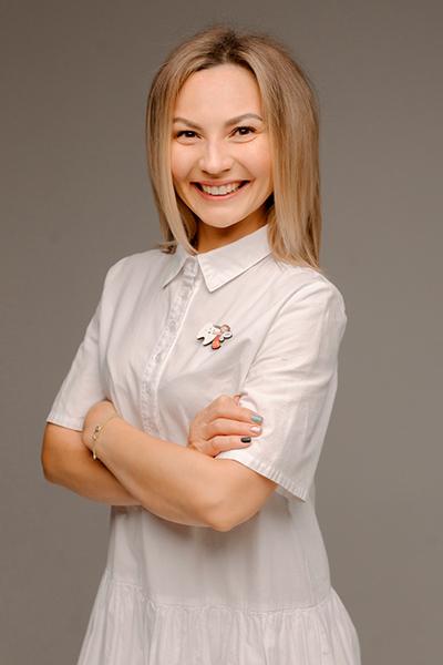Тихонова Ольга Сергеевна врач-стоматолог по специальности стоматология.